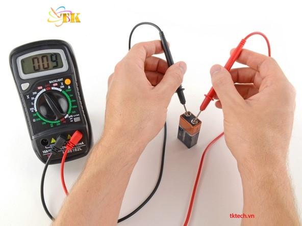 cách sử dụng đồng hồ vạn năng đo điện áp