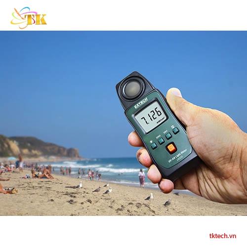 Sử dụng Máy đo ánh sáng Extech UV505
