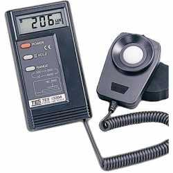 Máy đo ánh sáng TES-1334A