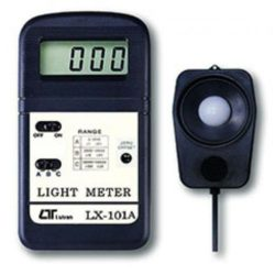 Máy đo cường độ ánh sáng Lutron LX-101A